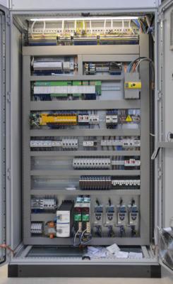 Schemi Elettrici Macchine Industriali : Quadri elettrici per automazione bordo macchina e quadri