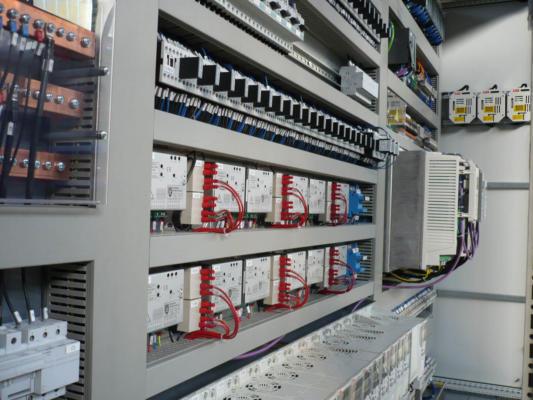 Schemi Elettrici Unifilari Simboli : Quadri elettrici per automazione bordo macchina e quadri